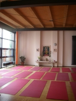 Yogastunde Mittelstufe bei Yoga Vidya @ Yoga Vidya Zentrum